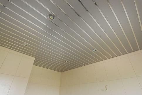 Пример реечного потолка