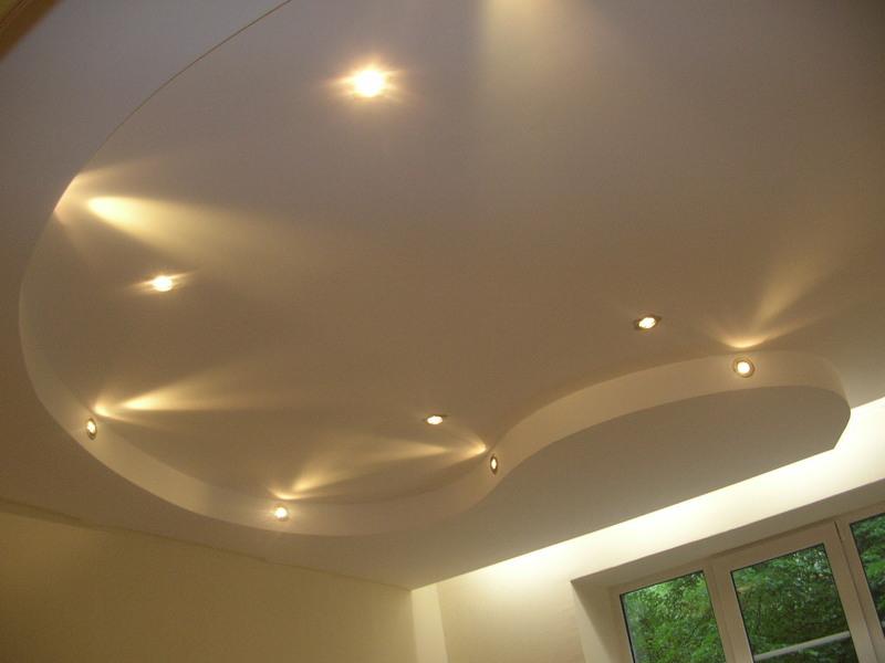 Комбинированные потолки: гипсокартон и натяжной. варианты ...   600x800